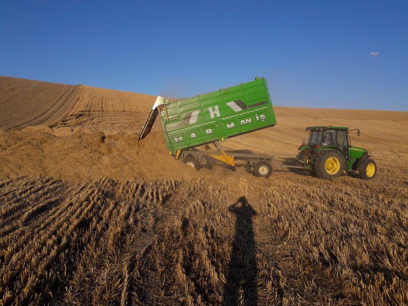 BİÇER DÖVER SAMANI Yüzlerce Ton (Arpa ve Buğday)