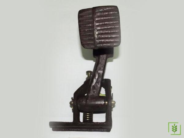 Massey Ferguson 135-165 Ayak Gaz Üst Tertibatı (828655) - (897547)