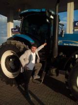 Aylik yıllık kiralama hizmeti vermekteyiz bünyemizde 23 adet traktör bulunmakta