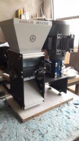 Badem Kırma Makinesi