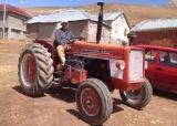 Temiz güçlü traktör